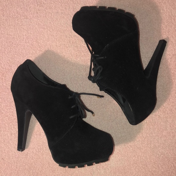c09f46d543 Dollhouse ankle boots booties size 7 lace ups  01